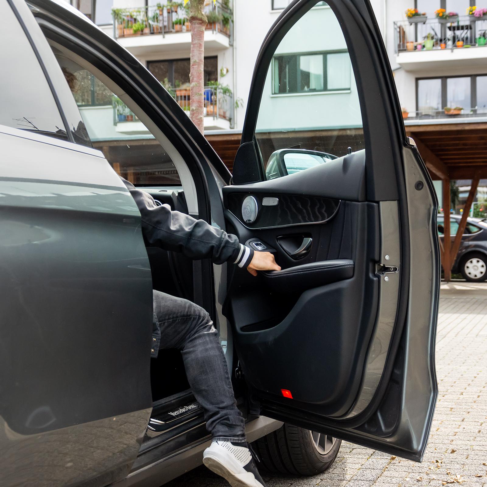 Auto; Einsteigen: Beifahrer; Mitfahren; Carsharing; Nachteile des Carsharings